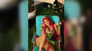 Nicki Minaj - Playing with herself