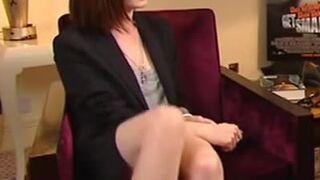 Anne Hathaway and her amazing legs