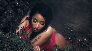 Nicki Minaj wet and sexy