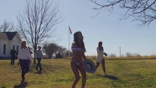 Selena Gomez looking super hot in a bikini!
