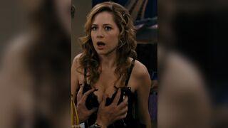 Jenna Fischer's boobs are so sexy