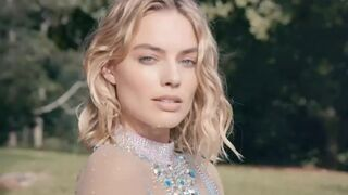 How hard would you fuck the beautiful face of Margot Robbie?