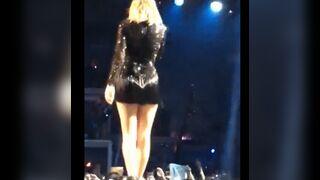 Taylor Swift ass