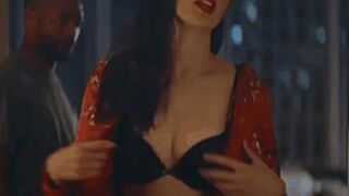 Gal Gadot in this makes me wanna fling her around the room, breaking stuff as I slap and bite her body mercilessly and give her a hard pounding while she moans uncontrollably