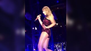 I want my cock in Taylor Swift's ass