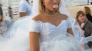 Margot Robbie must've looked so good kneeling down in her wedding dress and wrapping her lips around the best man's cock