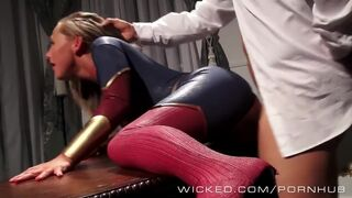 Carter Cruise cums while dressed as Captain. Marvel - Fucked Doggystyle