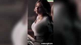 Sofia Vergara tight sweater