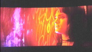 Charlize Theron seduces Sofia Boutella in Atomic Blonde