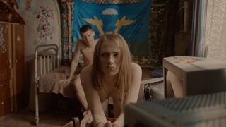 Yana Enzhaeva's Doggy style plot in Besstydniki S01E09