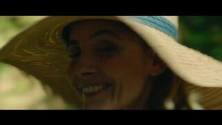 Zahia Dehar - Une fille facile