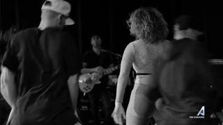 Jennifer Lopez shaking her fat ass in yoga pants