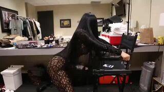 How Hard Would You Fuck Nicki Minaj's Ass?