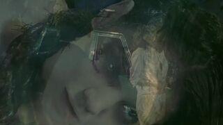 Katie Holmes Jiggles