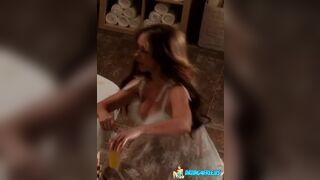Jennifer Love Hewitt:)
