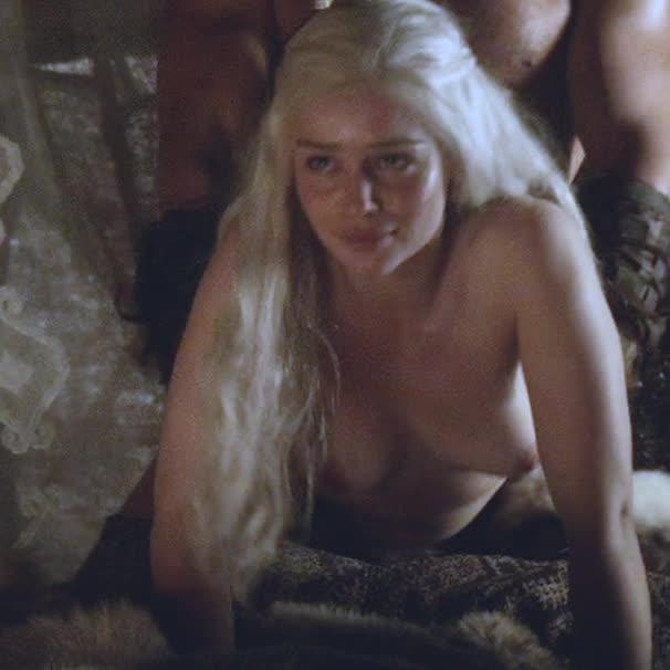 Nude emily clarke Emilia Clarke